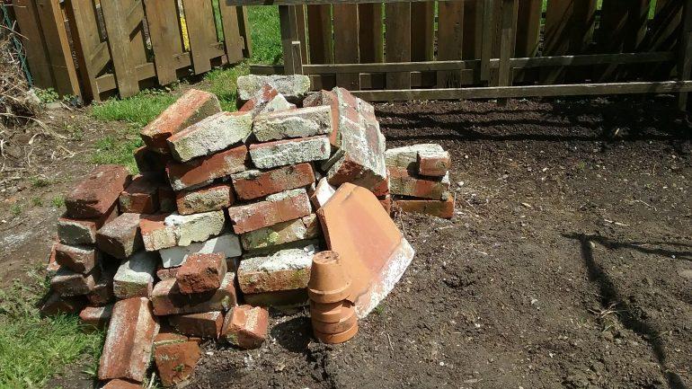Asbest im Garten: Was sollten Sie tun?